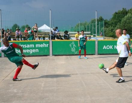 България се класира за полуфиналите на европейското по стрийт футбол