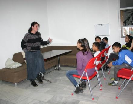 """Веси Маркова, преподавател в """"Център на надеждата"""": Любовта те прави беззащитен, но пък е единственото, което променя"""