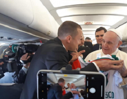 """Папа Франциск става фен на """"Отбор на надеждата"""""""