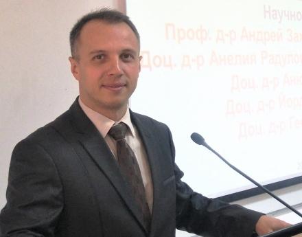 Д-р Виктор Кирков: Трябва да има регулации и за спортните мениджъри