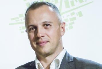 Д-р Виктор Кирков пред Sportal.bg: Електронният футбол е еквивалентен заместител на реалния като телевизионен продукт