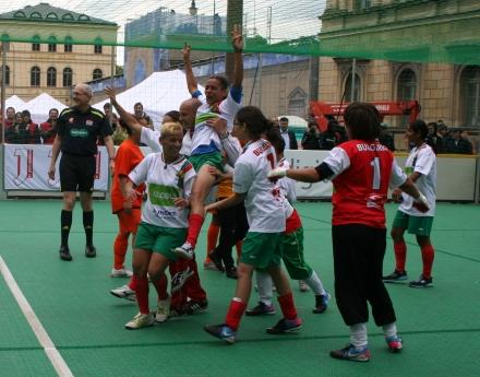 България спечели европейското за бездомни хора