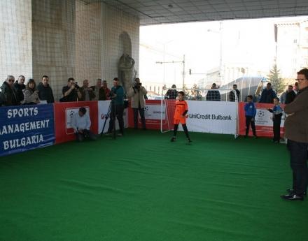 Фабио Капело тренира български деца