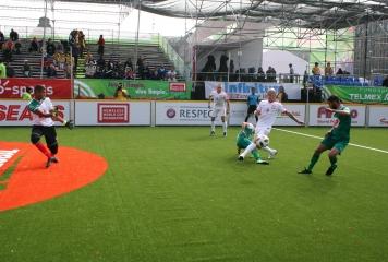 България влиза в битка за топ 8 на Homeless World Cup