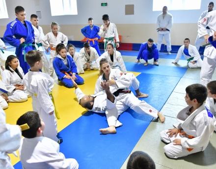 Звезди на световното джудо тренираха с деца от сливенски клуб