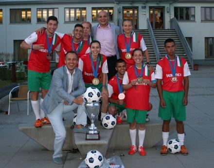 България спечели злато и бронз на европейското по стрийт футбол